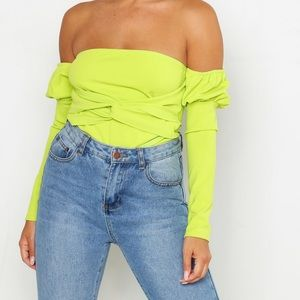Lime neon off the shoulder top 💚